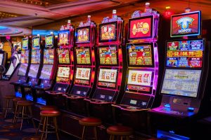 The Top Three Most Popular and Profitable Progressive Slot Games