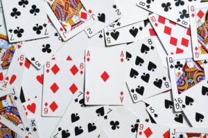 Play Blackjack like A Pro with These Six Handy Tips